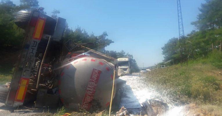 Madene giden tanker devrildi: 27 ton asit çevreye yayıldı